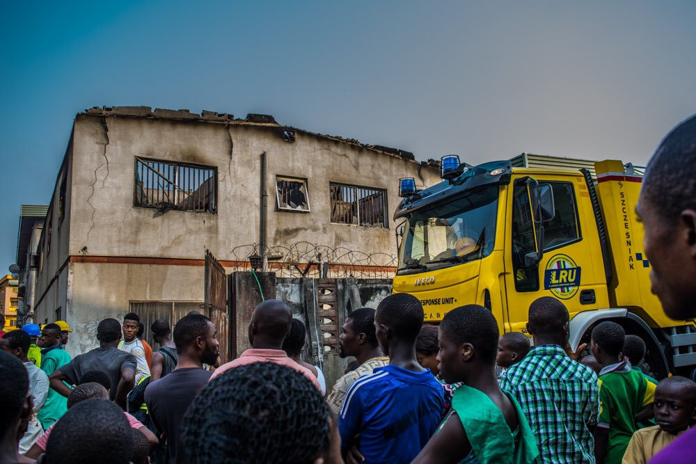 PHOTOS: Fire Fighters Rescue 3 Children From Burning House In Lagos 4832529_2_jpegea571676ce9b75b0730a5d56350ae93e
