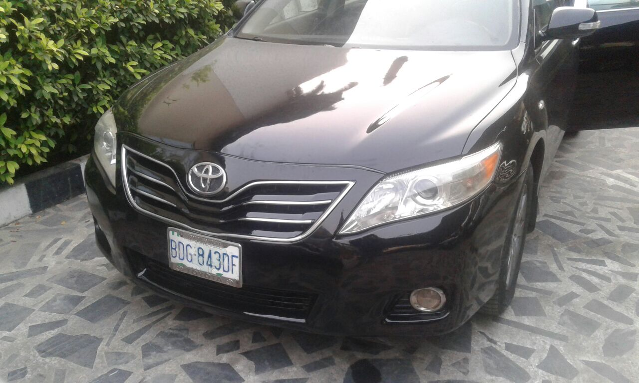 superb clean toyota camry 2010 xle for sale autos nigeria. Black Bedroom Furniture Sets. Home Design Ideas