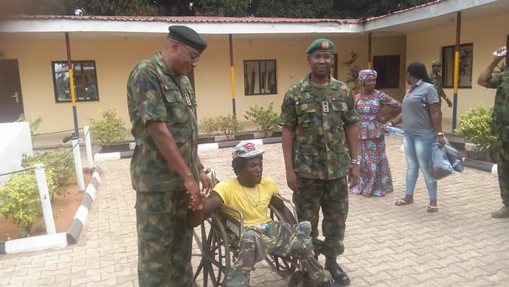 Nigerian Army Meets Crippled Man Assaulted In Onitsha By Soldiers (Photos)
