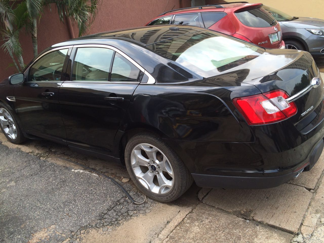 2010 ford taurus sel for sale autos nigeria. Black Bedroom Furniture Sets. Home Design Ideas