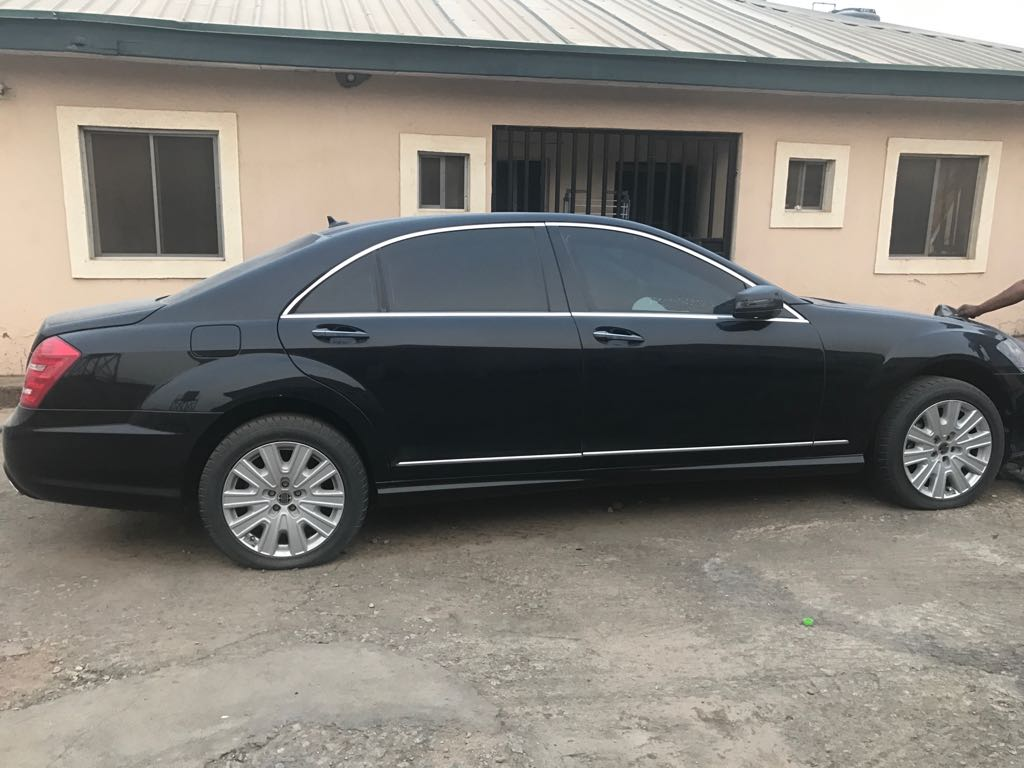 Brand new armored mercedes benz s500 in abuja for n33 000 for Mercedes benz armored