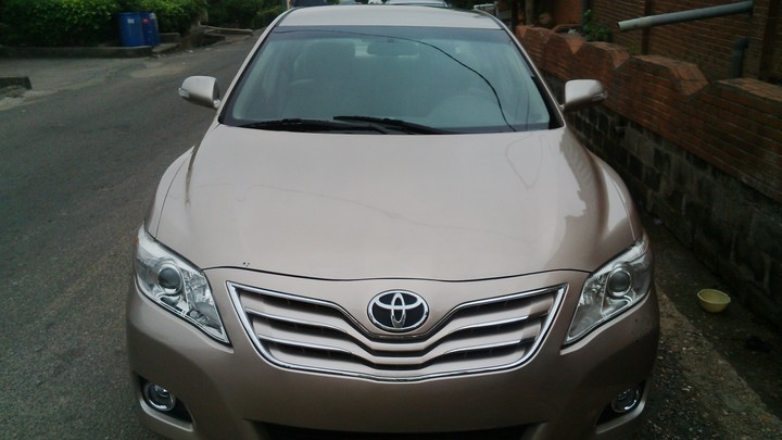 very clean gold colour toks 2008 toyota camry le upgraded to 2010 3m autos nigeria. Black Bedroom Furniture Sets. Home Design Ideas
