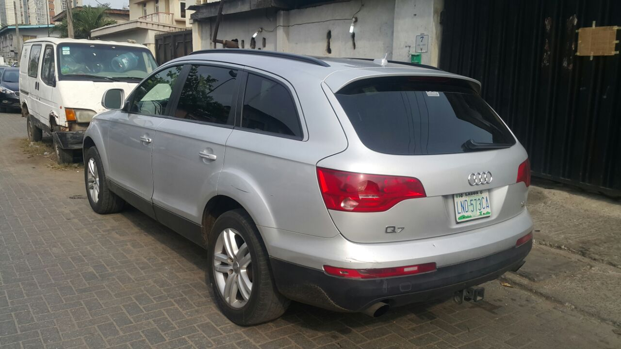 re reg 08 audi q7 for sale by zizzo 8 27pm on feb 26. Black Bedroom Furniture Sets. Home Design Ideas