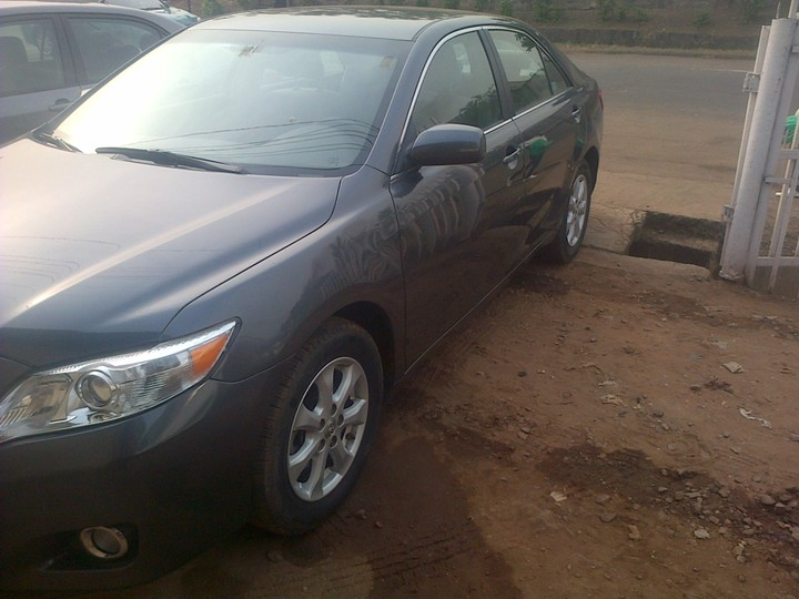 toks toyota camry 2011 model with reverse camera navig for negotiateable autos nigeria. Black Bedroom Furniture Sets. Home Design Ideas