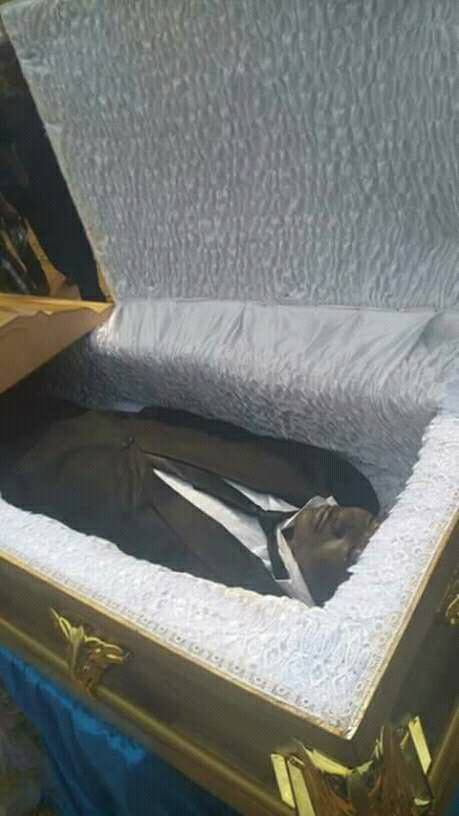 Burial Photos Of MC Worthy Comedian