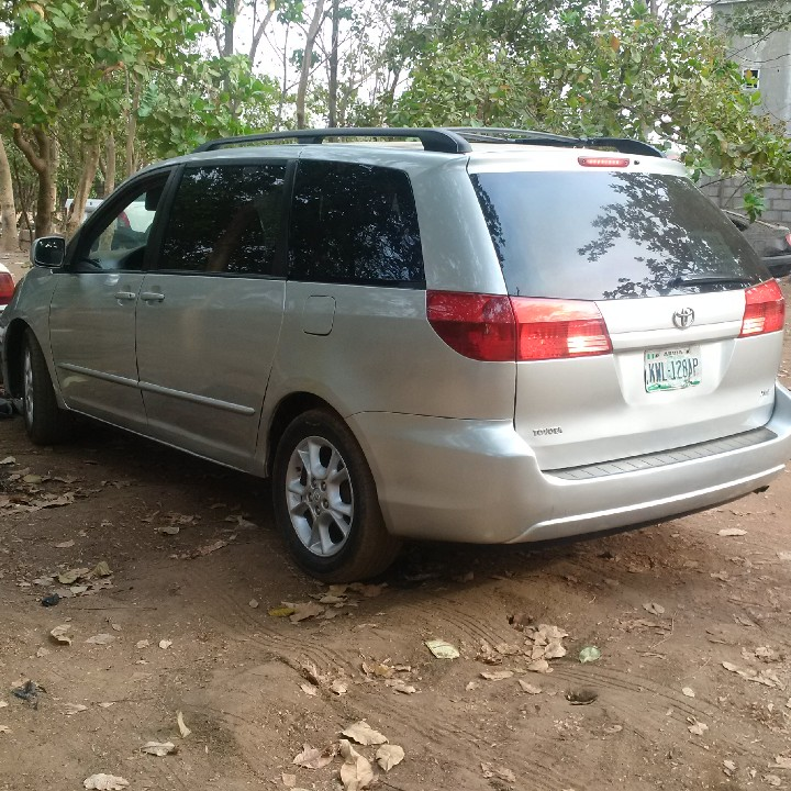 Clean 2005 Toyota Sienna For Sale