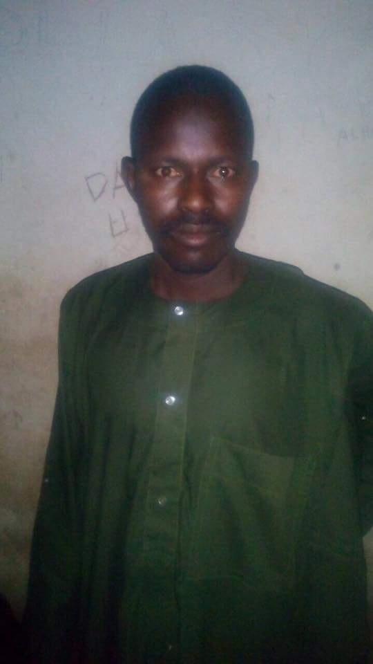 Troops arrest dumb Boko Haram terrorist with phones