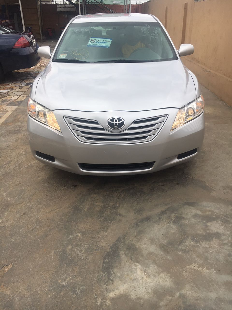 quick sales silver toyota camry 2008 model going for n3. Black Bedroom Furniture Sets. Home Design Ideas