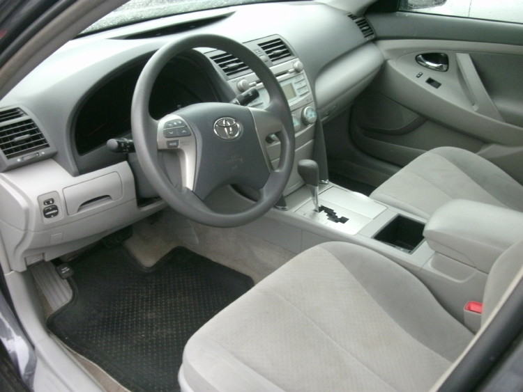 Tokunbo 2009 Toyota Camry Le Grey And Gold Color Fabric And Leather Interior Autos Nigeria