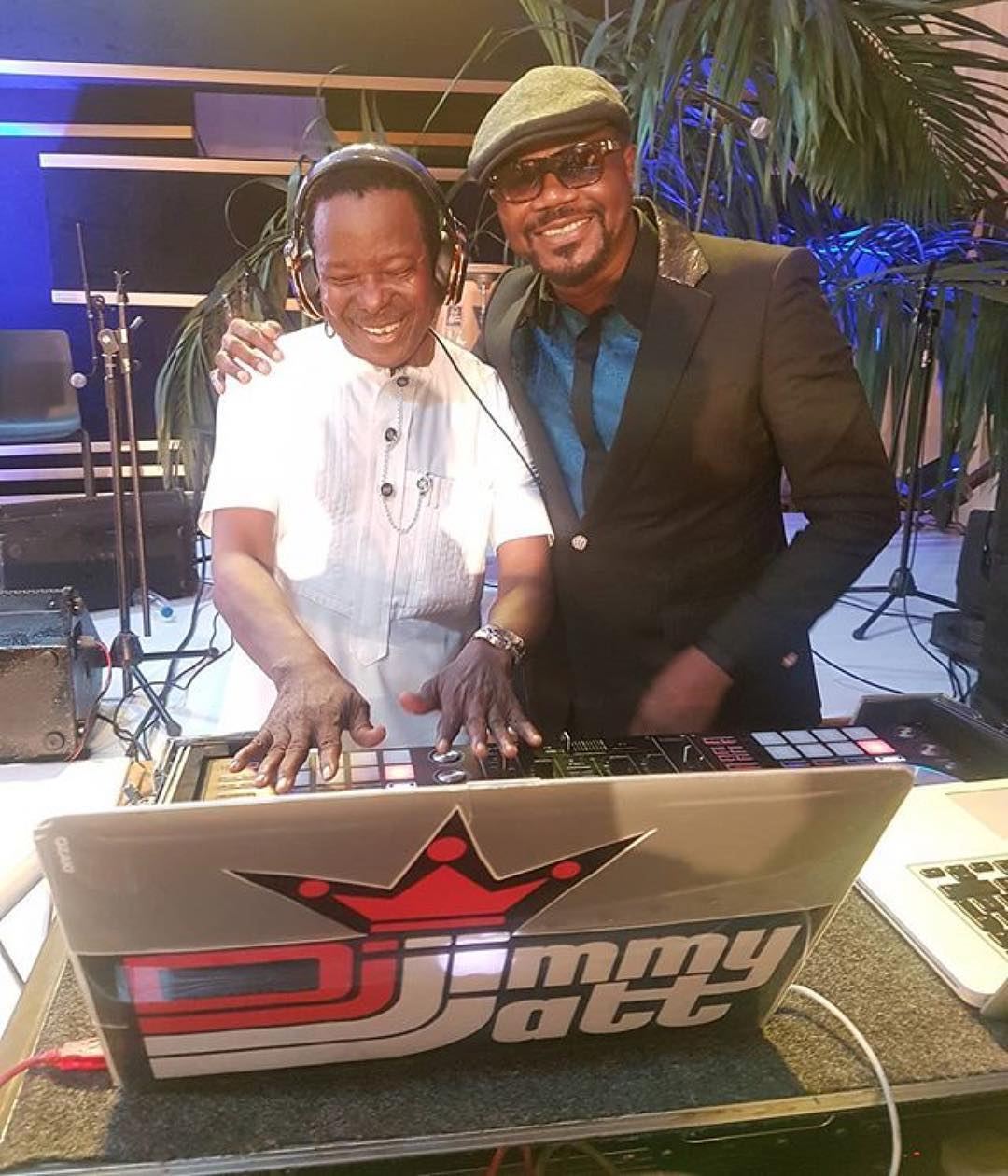 Sunny Ade Takes Over The Wheel From DJ Jimmy Jatt At Dangote's Party