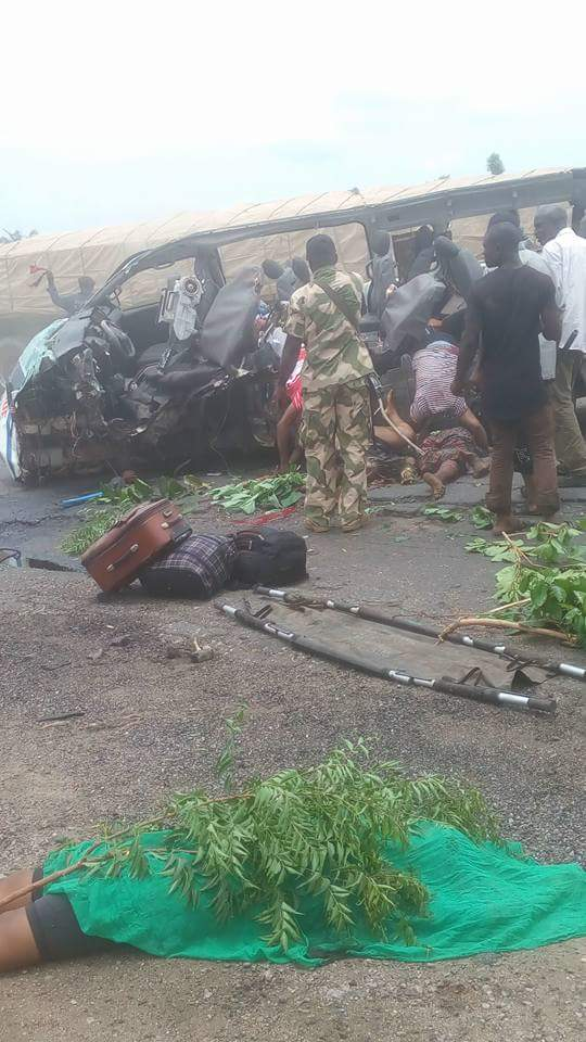 Big Joe Bus & Trailer Involved In Accident After Okene, All Passengers Die (Graphic)