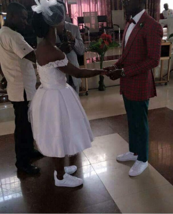 Couple Wear Matching Sneakers For Their Wedding (Photo)