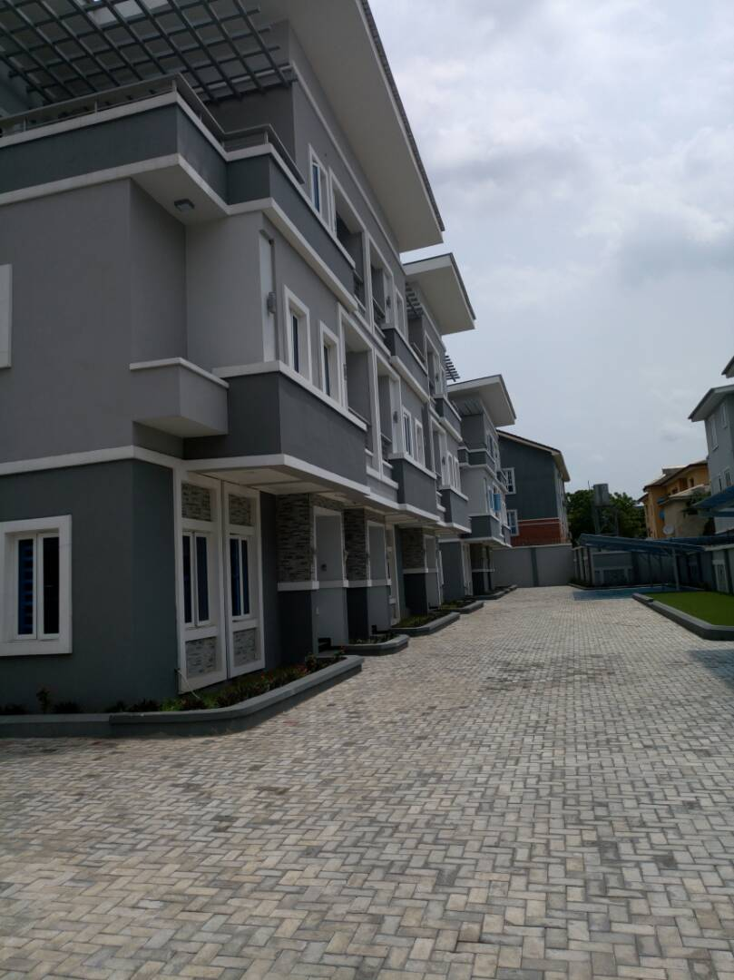 6 Bedroom House For Sale In Ikeja At A Giveaway Price