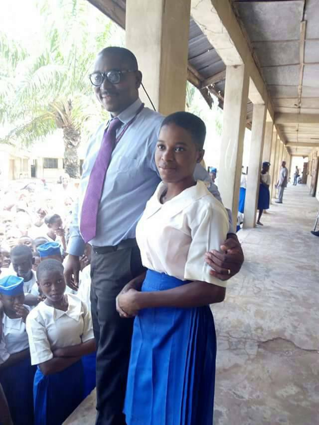 Ogun SS2 Student Finds Purse Filled With Cash On Her Way Home 5336096_jolo1_jpg4789b2c90a8f1dc5e9dca2406f1e6730