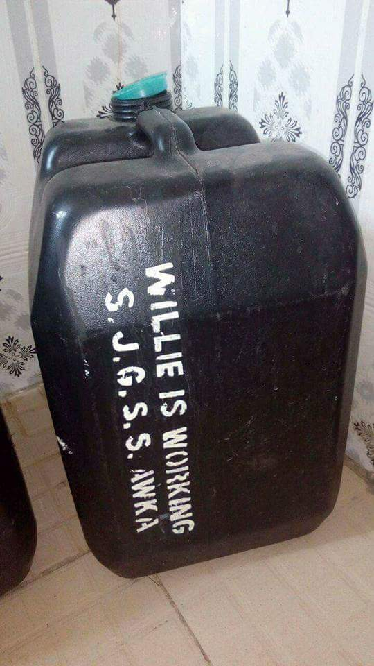 Governor Obiano Empowers Anambra Students With 25 Litre Water Jerry Can