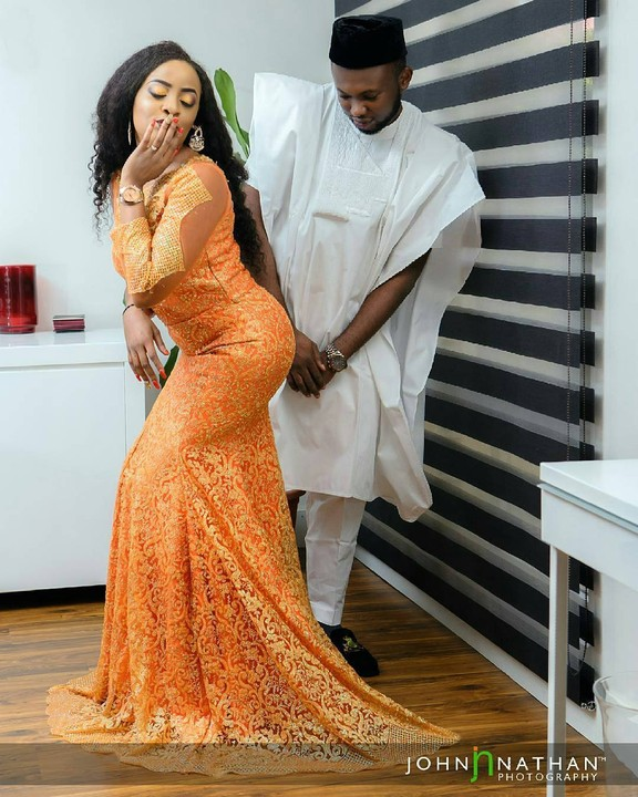 Between This Man And His Fiancee's Backside In Lovely Pre-wedding Photos