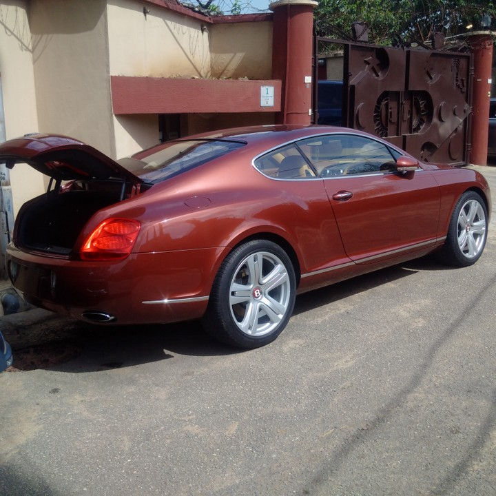 Clean Mint Pimped Out 011/2012 Bentley Continental Gt