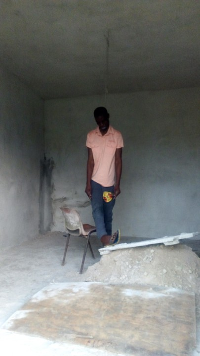 5372299 img20170524063829 jpeg808a0999ba146d372ff5316b6d4d94ff - Young Man Commits Suicide At Ijaiye, Lagos (Painful Photos)
