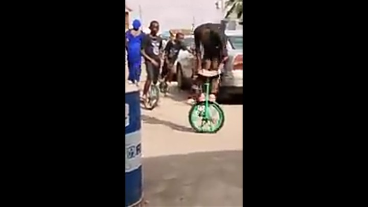AMAZING! 10-Year-Old Boys Stunting On Unicycles In Bariga, Lagos (Video)