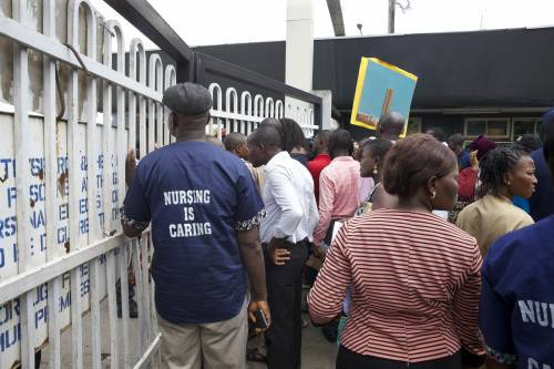 Delayed Salaries : LUTH Resident Doctors Stage Protest