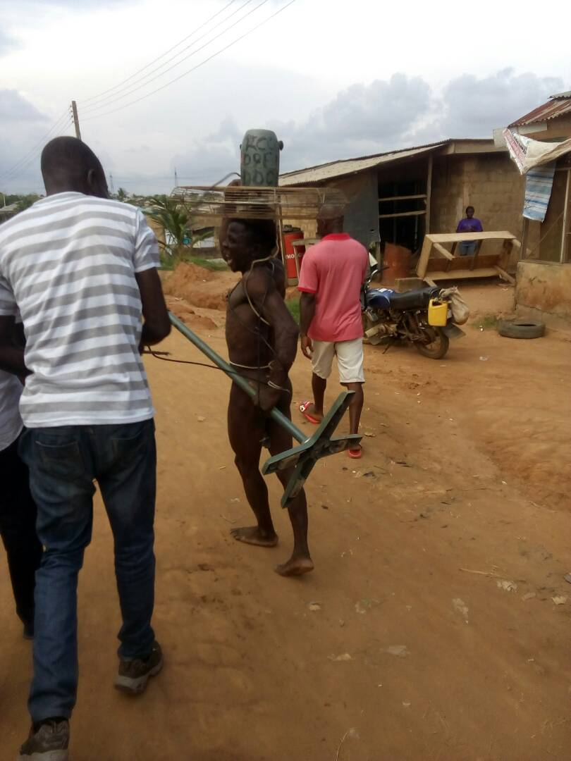 Thief Caught Stealing From Redeemed Church In Lagos, Beaten & Paraded Unclad 5405748_whatsappimage20170529at5_00_25pm_jpeg_jpegec018fad79da66c935077b1e6fcd853d