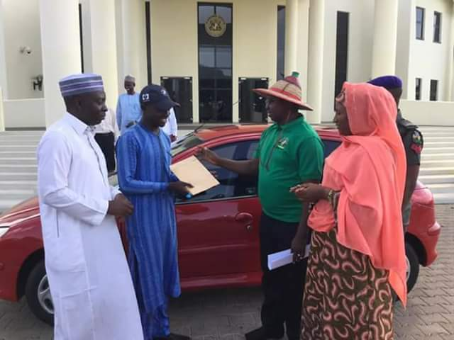 APC Media Agent In Kaduna Lost His Car In Accident & El-Rufai Did This For Him (Pics)