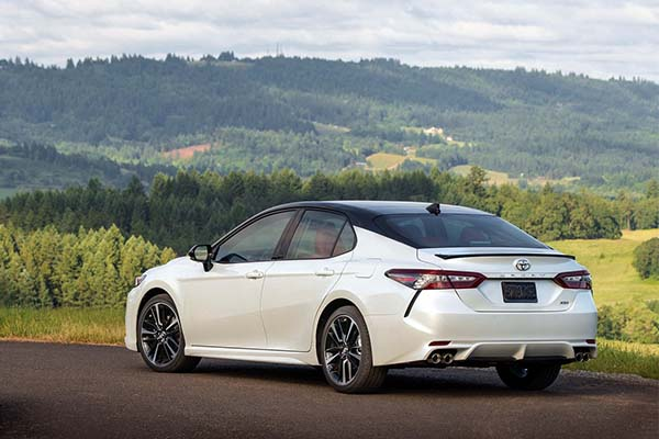 Check Out The New 2018 Toyota Camry: A Beauty!