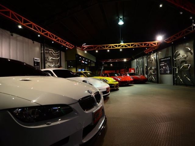 See the ultimate garages for exotic cars car talk nigeria for Garage sees automobile