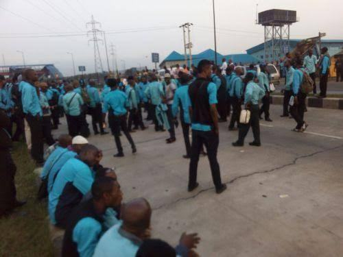 Lagos BRT Staff On Strike After Recent Increase In Fares (Photos)