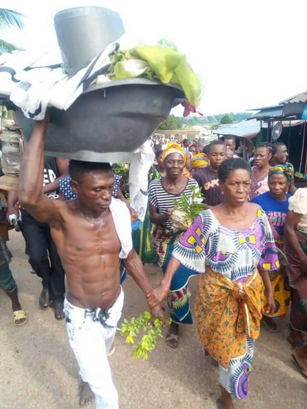 Old Woman Paraded For Having Sex With A Young Man In Ebonyi Photos - Crime - Nigeria-8512