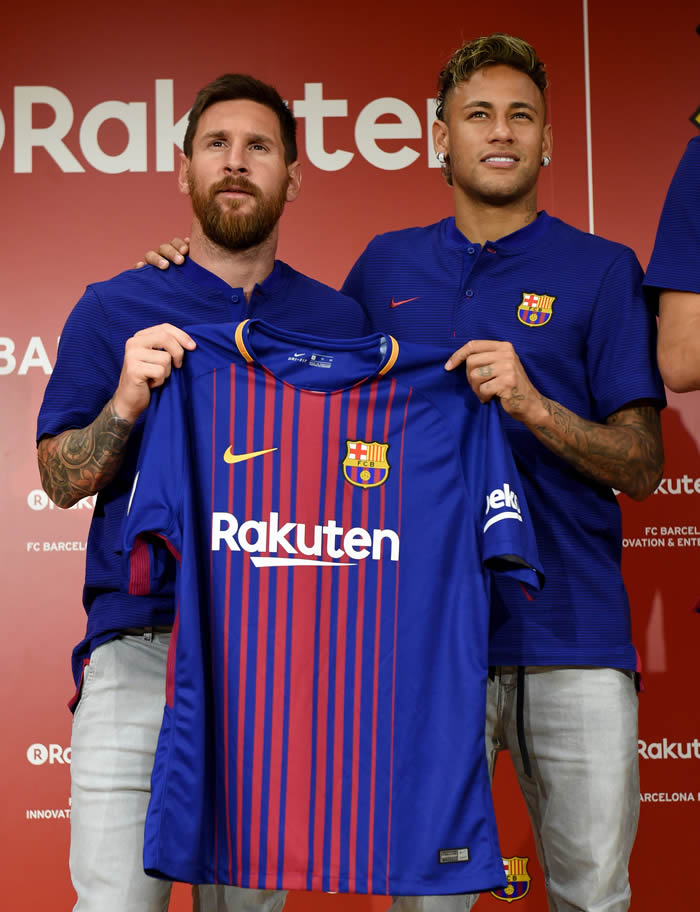 Barcelona Unveils New Players  Jersey For Next Season 2017 18… Yay ... 34b7864d1