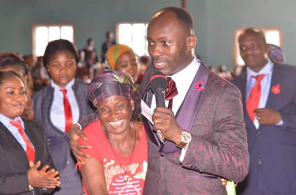 73-Year-Old Woman Hugs Apostle Suleman As He Places Her On N50k Monthly Salary (Pictures)