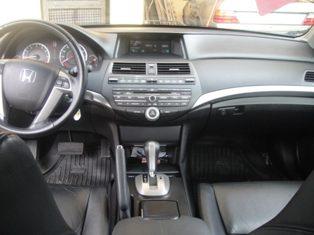 LEATHER Interior Factory Airconditioning Perfect Engine Perfect Body BLACK COLOR 08028825234,08051396396 kratosinvestment@gmail.com. Price :- 3M NEGOTIABLE