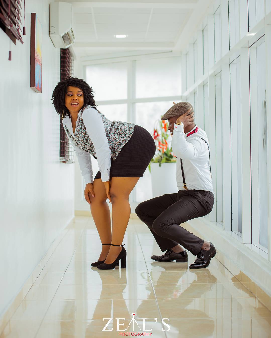 Man Gets Cozy With Fiancee's Bum In Hot Pre-wedding Session