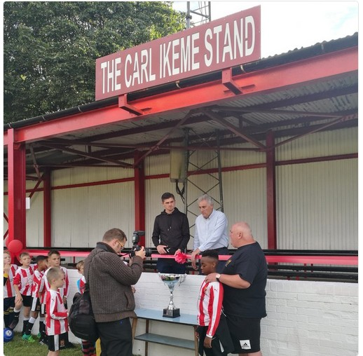 Football Fans Show Support To Carl Ikeme In England. PICS