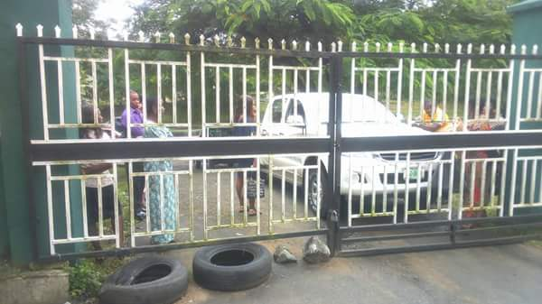 Cross River SUBEB Chairman Locks Out Directors, Other Staff For Lateness (Photos)