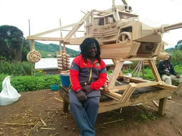 Cars & Helicopters Designed By Nigerian Man Using Wooden Materials (Photos)