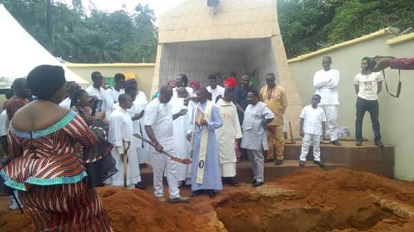 Victims Of Ozubulu Catholic Church Shooting Buried (Photos)