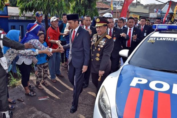 Image result for Traffic jam forces Indonesia president out of car, makes him walk 2Km to an event (Photos)