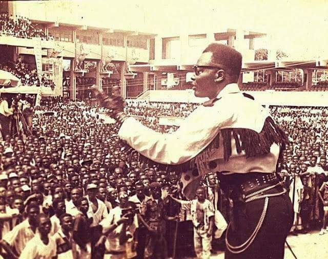 Throwback: Charly Boy Performs His Hit Song ''Nwata Miss'' On Stage In Lagos, 1983