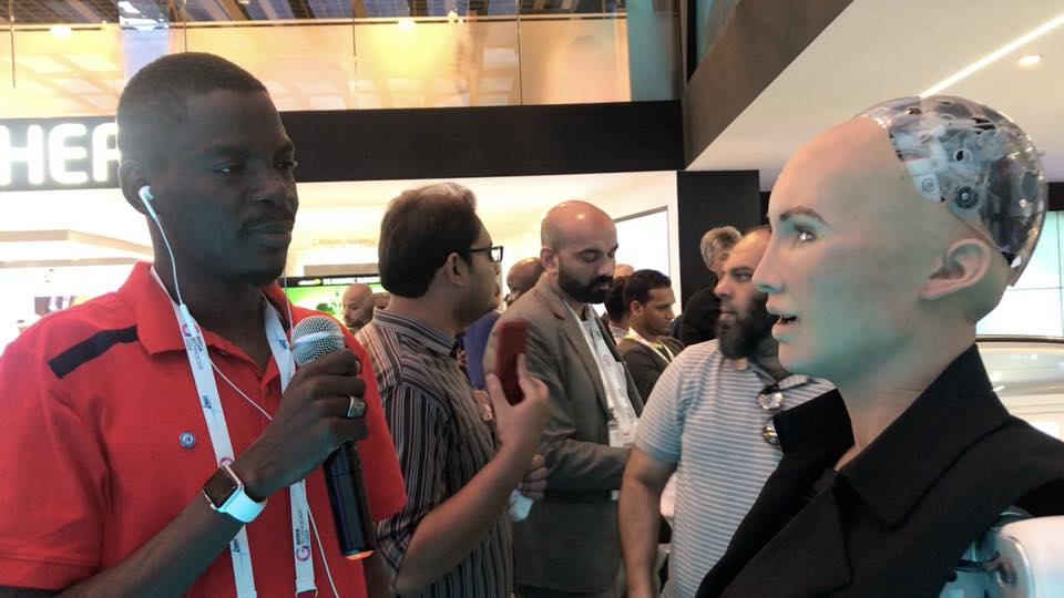 Buhari's Aide Meets Female Human-Sized Robot In Dubai. See What She Told Him (Pics)