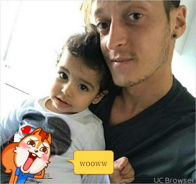 Mesut Ozil Posts Very Beautiful Images With His Family For