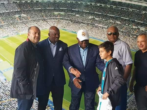 6115299 fbimg1508174239047 jpegc2632844c05c980563ddd7f7c3a91acf - Gov Wike Meets With Cristiano Ronaldo In Spain (Photos)