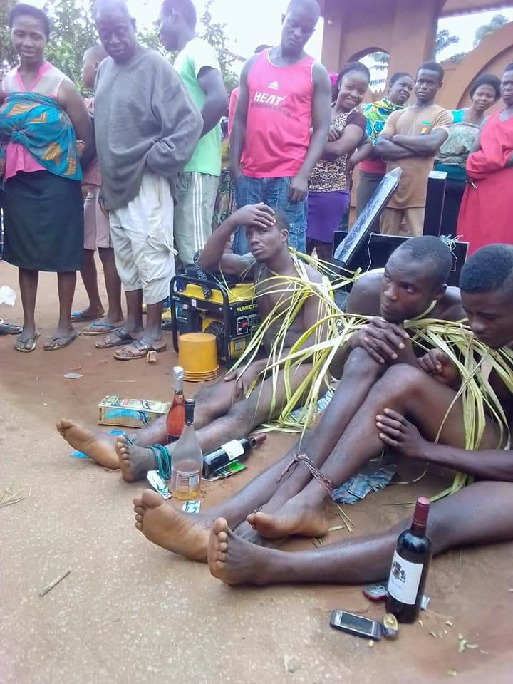 3 Thieves Caught In Igbo Ukwu Anambra, Stripped Unclad - Pictures