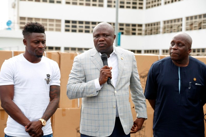 6198187 dno5pqlx4aenhaq jpegbb21f9b6c72938e71fbd493af4fd390d - Obafemi Martins Donates Wheelchairs, Crutches And Beds To The Lagos Government