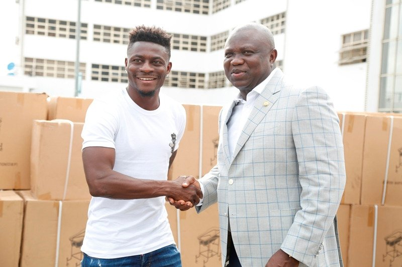 Obafemi Martins Donates Wheelchairs, Crutches And Beds To The Lagos Government