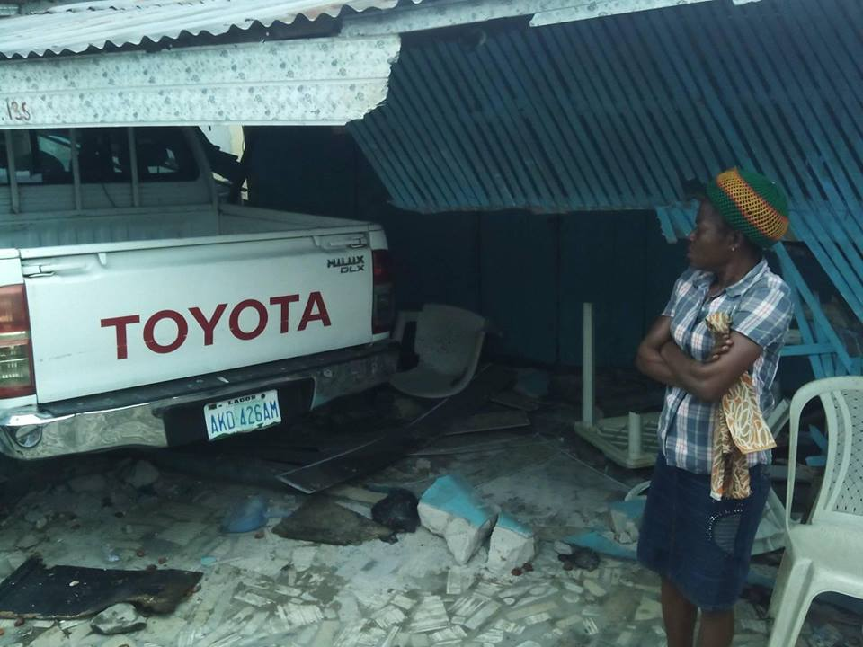 Hilux Van Kills Woman After Running Into Her Shop In Port-Harcourt
