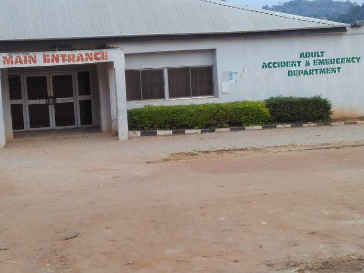 6286643 img20171120174705 jpegecb7e5a2a22f4920ca2ef5f558d08900 - Ekiti State University Teaching Hospital under total lockdown as Fayose owes medical workers 6 MONTHS SALARIES!!!