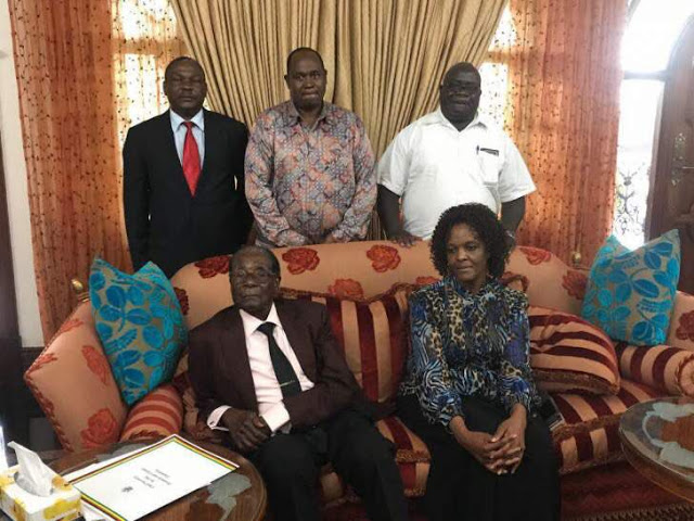 Photo Of Grace And Robert Mugabe After Resignation Has Gone Viral Online