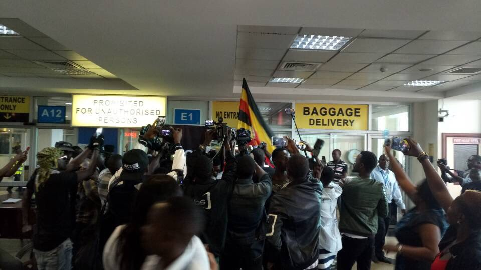 6369753_dqxtgwrxcaameev_jpegb4de592d0dcfde57e9ac651f77017312 Wizkid Arrives In Uganda Ahead Of Much Anticipated Concert (Photos,Video)